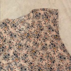 Maternity floral v-neck blouse